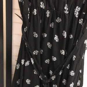 Xhilaration Dresses - Xhilaration Black and white tie at the waist dress